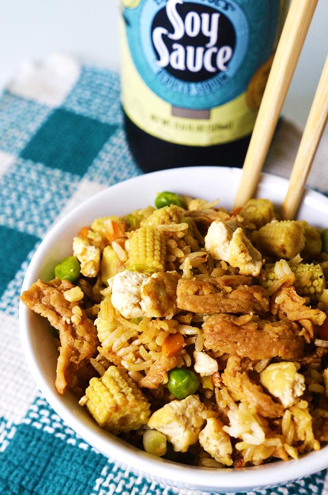 vegan fried rice, legit vegetable fried rice, vegan fried rice that tastes like takeout, best vegan fried rice, best veggie fried rice, egg-free fried rice, no egg fried rice, soy curls fried rice